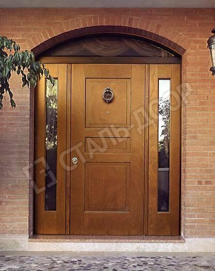 Трёхстворчатая дверь из массива для коттеджа со стеклом